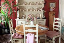 COTTAGE DECORATING IDEAS  III / by Susan Mitchell