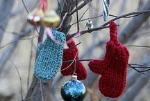 Loom Knitting / by Rachel @ Creative Homemaking