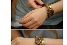 cool jewelry / by Mitzi Borum