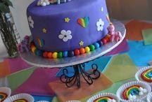 Cakes - Design Inspirations / by Nivethetha Sudhakar