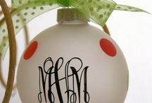 December - Christmas Ornaments / by Shelee Brim