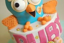 cute cakes, cookies & cupcakes / by Sally Dingeldein