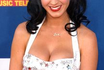 <3 Katy Perry <3 / by Jeni Patricelli