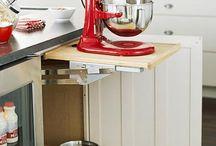 Kitchen / by Julie Doonan-Hartman