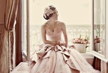 Women's fashion / by Trism Cavalish