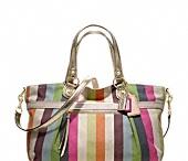 Handbag Heaven / by Caroline Miller