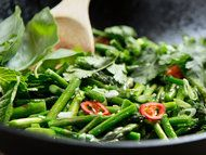 Asparagus / Recipes with asparagus as the main ingredient.  / by Elizabeth Larkin