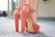 Shoes / by Romina