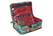 Travel Toiletries Bag / by Patricia Perasso