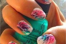 Nails / by Nadya Streicher
