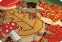 Cookies, Icings & Glazes / by Pauline Piraino