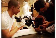 La Galerie tactile au Louvre : Sculpter le corps / Ouverture de la nouvelle présentation le 28 mai 2014. Galerie pédagogique de 80 m2 située dans les salles du département des Sculptures, aile Denon, entresol. Cet espace tactile propose des présentations thématiques de moulages d'oeuvres célèbres ou moins connues dont les originaux sont exposés au Louvre. Ces moulages sont destinés à être touchés par les non-voyants, les malvoyants, les enfants ou les visiteurs qui souhaitent faire l'expérience de la perception tactile. / by Musée du Louvre