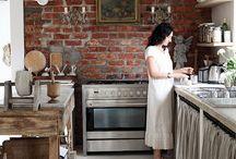 Kitchens / by Cassie Glendenning