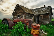 Old tractors / by Robert Thompson