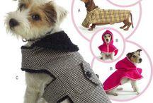 ❤ La mode chez les chiens ❤ / Les plus beaux vêtements de mode pour les chiens : manteaux, bandanas... et autres : médaille, harnais, collier. Bref tout pour vos boules de poils :) / by Nathalie DAOUT - Social Media