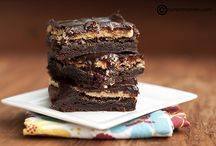 Brownies / Seriously? Who doesn't just love a freakin good brownie?!! / by Lydia Sestito