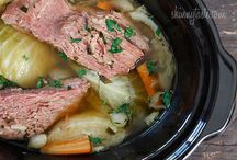 Food: Crockpot/Slow Cooker-Recipes / by Jen Wright