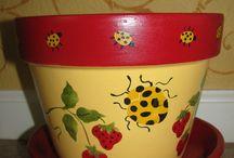 Flower Pots / by Hedy