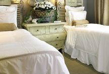 HOME - Guest Bedroom / by Sara Schafer
