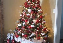 Christmas trees & decor / by Jana Darling