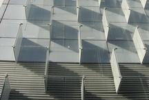 Vidrio / Uso del vidrio como material de fachada en edificación. / by Enrique Rayon