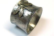 jewelry I like / by Lisa Carmichael