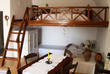 Apartment Foúrnos - Old Oven / Apartment for up to 4 people with wooden gallery with double bed  1,60 x 2,00m, spacious living and dining room and lowered  living area with 2 bricked single beds  0,90 x 2,00 m. Small separate kitchen with traditional oven, shower/toilet.  Living space 420 sq.ft., private, furnished terrace 95 sq ft. / by Aris Caves