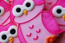 Inspiration for cookies / by Tracy Dovich Cakes Outside the Box