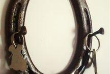 Horseshoe idea's / Ideas for horesshoes / by Angelia Jones