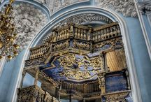 Templos cristianos,  interior / by María Luisa Rodríguez Velasco