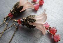 Earings / Earrings I like / by Kerilyn LaFournaise