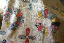Quilts-Antique / by Kenna Macky