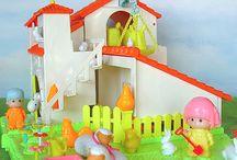 Juguetes de la infancia / by Alejandra Tamayo Bodega