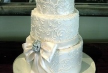 wedding cake / by Leigh Baldwin