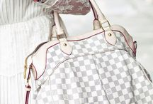purses i love / by Kel Kel Alvarez