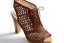 Super cute shoes...Imma heel girl / by R.k. Ryals