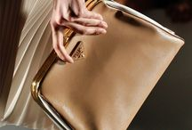 Handbags and Purses / by Patrícia Azevedo