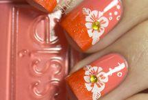 nails / by Cristina Geamanu