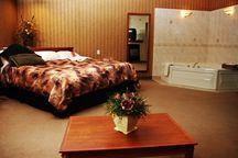 Accommodations / by Royal Oak Inn & Suites, Brandon Manitoba