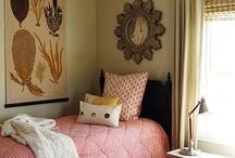 Simple Pretty Bedrooms / by Tokyo Jinja