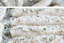 Breads / by Rachel Hollin