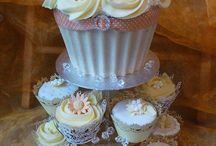 Giant Cupcakes / by Alison Knight