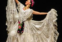 Folklorico / by Angie Reyes