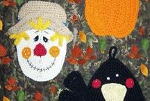 Crocheted Potholders and Kitchen Accessories / by Sharon Santorum