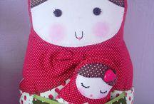 Mamuska / Doll / Colección de manualidades en el arte de hacer mamuska y munecas de tela / by Miriam R. Zalazar