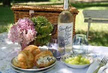 I love Picnics / One of my favorite summer things to do! Plus picnic food is so cute!!! / by Alexa McCabe