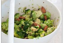 Healthy foods / by Robyn Rasmussen