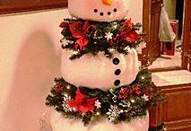 CHRISTMAS TREE MANIA! / by Tara Beaudoin