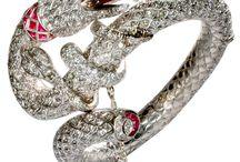 Christmas Colors Vintage Jewelry Wish List / by Corvus Noir