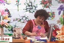 FLORES CON MOLDES GOMA EVA / by Lolitoba recetasparamishijos blog